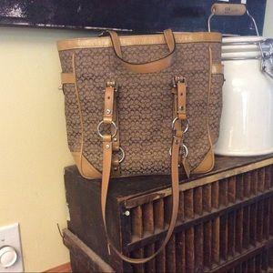 Coach signature gallery tan tote bag F12344
